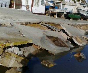 https://www.tp24.it/immagini_articoli/12-03-2018/1520877146-0-selinunte-crolla-pezzo-porto.jpg
