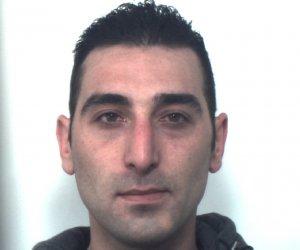 https://www.tp24.it/immagini_articoli/12-03-2019/1552386794-0-nascondeva-droga-macchinetta-caffe-arrestato-trapani.jpg