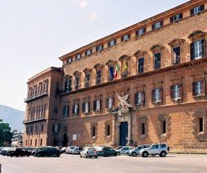 https://www.tp24.it/immagini_articoli/12-04-2018/1523541052-0-redditi-deputati-regionali-stefano-pellegrino-ricco-trapanesi.jpg