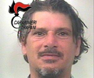 https://www.tp24.it/immagini_articoli/12-06-2018/1528788823-0-marsala-ruba-unauto-roma-inseguito-arrestato.jpg