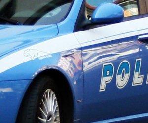 https://www.tp24.it/immagini_articoli/12-06-2018/1528803683-0-presi-polizia-quattro-rapinatori-gioielleria-strasatti.jpg