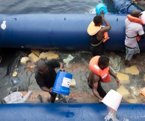 https://www.tp24.it/immagini_articoli/12-07-2018/1531389972-0-persone-morte-mare-quando-lega-cinque-stelle-hanno-chiuso-porti.jpg