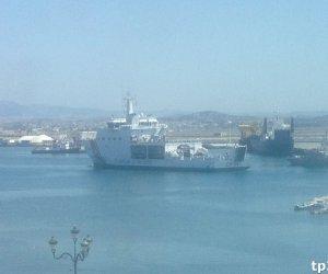 https://www.tp24.it/immagini_articoli/12-07-2018/1531401075-0-immagini-dellarrivo-nave-diciotti-porto-trapani.jpg