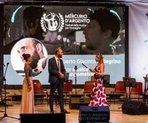 https://www.tp24.it/immagini_articoli/12-08-2019/1565631284-0-trapanese-roberto-giacinto-pellegrino-vince-festival-musica-limmagine.jpg