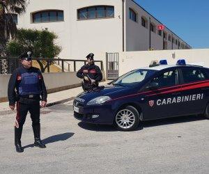 https://www.tp24.it/immagini_articoli/12-09-2019/1568288969-0-prende-calci-pugni-connazionale-deruba-arrestato-tunisino-trapani.jpg
