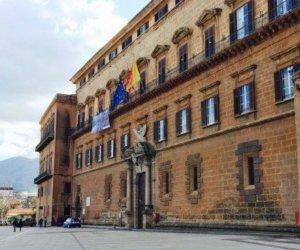 https://www.tp24.it/immagini_articoli/12-09-2019/1568305095-0-stelle-prove-alleanza-anche-sicilia-ecco-cosa-succede-allars.jpg