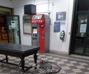 https://www.tp24.it/immagini_articoli/12-10-2021/1634020931-0-il-degrado-alla-stazione-ferroviaria-di-marsala.jpg