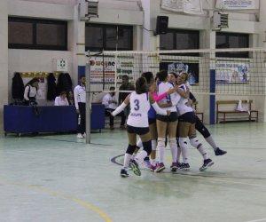 https://www.tp24.it/immagini_articoli/12-11-2019/1573570119-0-debutto-vittoria-volley-ficarazzi-superato-quinto.jpg