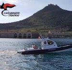 https://www.tp24.it/immagini_articoli/12-12-2018/1544605210-0-motovedetta-carabinieri-servizio-egadi.jpg