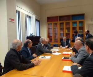 https://www.tp24.it/immagini_articoli/13-01-2019/1547380004-0-architetti-siciliani-promuovono-bandi-tipo-approvati-regione.jpg