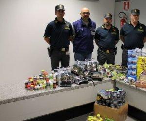 https://www.tp24.it/immagini_articoli/13-01-2020/1578903344-0-pericolose-pillole-medicine-illegali-arrivo-sicilia-blitz-finanza.jpg