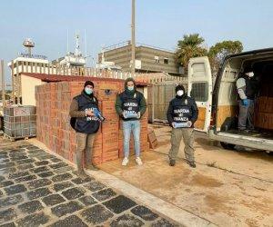 https://www.tp24.it/immagini_articoli/13-01-2021/1610523391-0-sicilia-nove-arresti-e-un-maxi-sequestro-di-oltre-due-tonnellate-di-sigarette-di-contrabbando.jpg