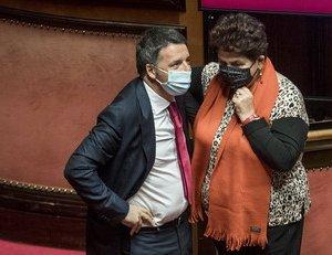 https://www.tp24.it/immagini_articoli/13-01-2021/1610526443-0-verso-la-crisi-oggi-si-dimettono-le-ministre-di-italia-viva-nbsp.jpg