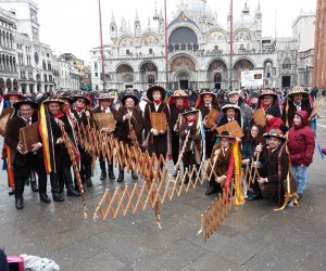 https://www.tp24.it/immagini_articoli/13-02-2018/1518530360-0-successo-giardinieri-salemi-carnevale-venezia.jpg