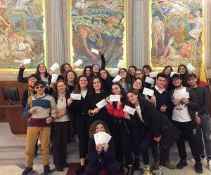 https://www.tp24.it/immagini_articoli/13-02-2020/1581585692-0-storie-dalternanza-premiati-studenti-marsala-progetto-tp24.jpg