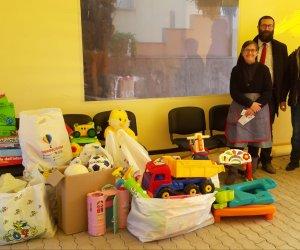 https://www.tp24.it/immagini_articoli/13-02-2020/1581590388-0-trapani-attivisti-consegnano-giocattoli-delliniziativa-solidarieta.jpg