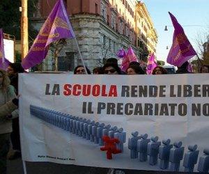 https://www.tp24.it/immagini_articoli/13-02-2020/1581614148-0-precari-scuola-sciopereranno-marzo.jpg