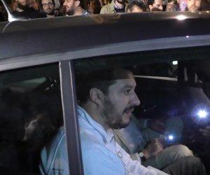 https://www.tp24.it/immagini_articoli/13-05-2015/1431481213-0-matteo-salvini-contestato-a-marsala-non-scende-dall-auto-per-il-comizio.jpg