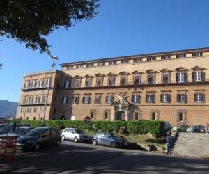 https://www.tp24.it/immagini_articoli/13-05-2015/1431531150-0-tagli-ai-consiglieri-e-ai-sindaci-in-sicilia-l-ars-rinvia-ancora-la-legge.jpg