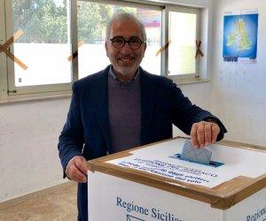 https://www.tp24.it/immagini_articoli/13-05-2019/1557720504-0-castelvetrano-vincono-cinque-stelle-sindaco-alfano.jpg