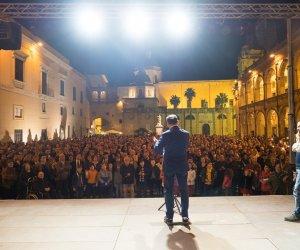 https://www.tp24.it/immagini_articoli/13-05-2019/1557733433-0-mazara-sindaco-quinci-citta-nostra.jpg