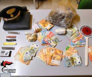 https://www.tp24.it/immagini_articoli/13-05-2019/1557738462-0-trapani-vendevano-droga-loro-appartamento-coppia-arrestata-carabinieri.jpg