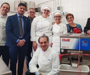 https://www.tp24.it/immagini_articoli/13-05-2019/1557761887-0-erice-alberghiero-vince-premio-concorso-nazionale-gelateria-carlo-pozzi.jpg