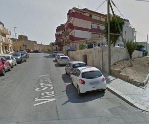 https://www.tp24.it/immagini_articoli/13-05-2019/1557784146-0-rifa-segnaletica-alcune-strade-marsala-occhio-divieti-sosta.jpg