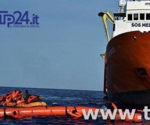 https://www.tp24.it/immagini_articoli/13-06-2018/1528888318-0-arrivata-catania-nave-diciotti-migranti-sono-cadaveri-bordo.jpg