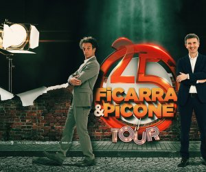 https://www.tp24.it/immagini_articoli/13-06-2019/1560425862-0-ficarra-picone-festeggiano-anni-carriera-tour.jpg