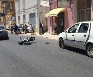 https://www.tp24.it/immagini_articoli/13-07-2019/1563015768-0-marsala-bici-unauto-ferita-donna-ambulanza-arriva-dopo-minuti.jpg