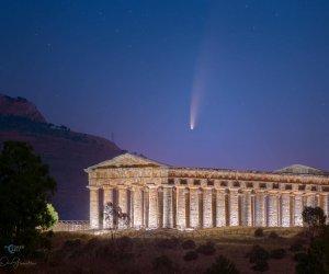 https://www.tp24.it/immagini_articoli/13-07-2020/1594616207-0-neowise-la-cometa-visibile-ad-occhio-nudo-si-avvicina-alla-sicilia-le-immagini.jpg