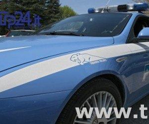 https://www.tp24.it/immagini_articoli/13-09-2017/1505280091-0-trapani-sfrattato-casa-minaccia-buttarsi-balcone.jpg