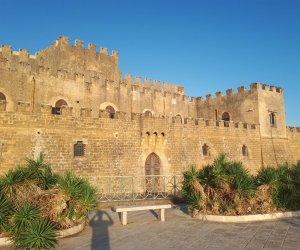 https://www.tp24.it/immagini_articoli/13-09-2019/1568395680-0-grandi-eventi-partanna3-altri-comuni-arrabbiano-frattempo-castello.jpg