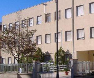 https://www.tp24.it/immagini_articoli/13-11-2019/1573660879-0-unaltra-scuola-trapani-mirino-ladri.jpg