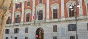 https://www.tp24.it/immagini_articoli/13-12-2018/1544717190-0-caos-affitti-scuole-provincia-trapani-domani-studenti-prefettura.jpg