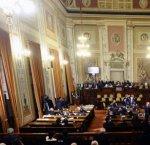 https://www.tp24.it/immagini_articoli/14-02-2019/1550139371-0-sicilia-caos-crolla-maggioranza-musumeci.jpg