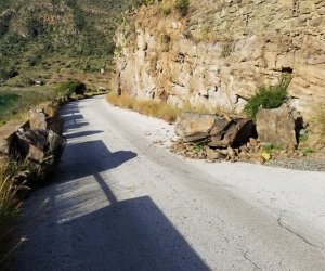 https://www.tp24.it/immagini_articoli/14-02-2020/1581668013-0-pantelleria-mettono-sicurezza-accessi-lago-venere-cala-gadir.jpg