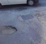 https://www.tp24.it/immagini_articoli/14-05-2018/1526273252-0-buche-stradali-marsala-cominciano-essere-problema-serio.jpg