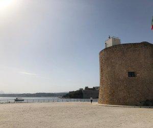 https://www.tp24.it/immagini_articoli/14-06-2019/1560494989-0-castellammare-inaugura-piazzale-stenditoio-cala-marina.jpg