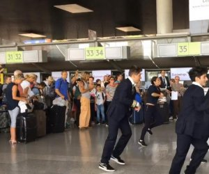 https://www.tp24.it/immagini_articoli/14-06-2019/1560530363-0-flash-aeroporto-compagnia-quella-voli-pantelleria-video.jpg