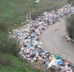 https://www.tp24.it/immagini_articoli/14-07-2018/1531570563-0-rifiuti-guerra-sicilia-regione-comuni-pagano-cittadini.jpg