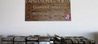 https://www.tp24.it/immagini_articoli/14-08-2018/1534268003-0-mazara-guardia-costiera-sequestra-hashish-nascosti-mare-davanti-porto.jpg