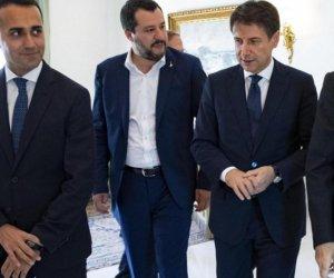https://www.tp24.it/immagini_articoli/14-08-2019/1565747902-0-crisi-governo-salvini-taglio-parlamentari-voto-cosa-succede-adesso.jpg