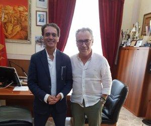 https://www.tp24.it/immagini_articoli/14-08-2019/1565787544-0-partanna-direttore-parco-selinunte-incontrato-sindaco-catania.jpg