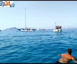 https://www.tp24.it/immagini_articoli/14-08-2020/1597398759-0-favignana-una-barca-affonda-in-pochi-minuti-a-cala-rossa-il-video.jpg