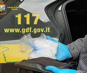 https://www.tp24.it/immagini_articoli/14-09-2021/1631600978-0-sicilia-spacciano-fino-a-100-dosi-di-droga-al-giorno-in-nove-finiscono-nbsp-in-manette.jpg