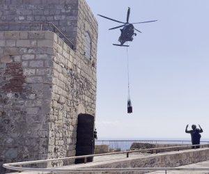 https://www.tp24.it/immagini_articoli/14-09-2021/1631609950-0-rostro-punico-trasportato-in-elicottero-a-marettimo.jpg