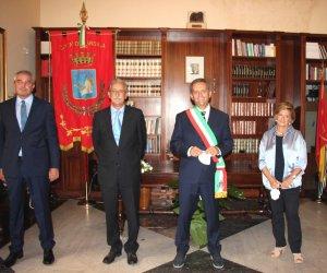 https://www.tp24.it/immagini_articoli/14-10-2020/1602685760-0-marsala-nbsp-grillo-assegna-le-deleghe-incontra-il-prefetto-e-il-sindaco-di-trapani.jpg