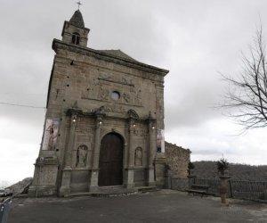 https://www.tp24.it/immagini_articoli/14-11-2019/1573729427-0-sicilia-campane-fanno-troppo-rumore-multato-parroco-cerami.jpg
